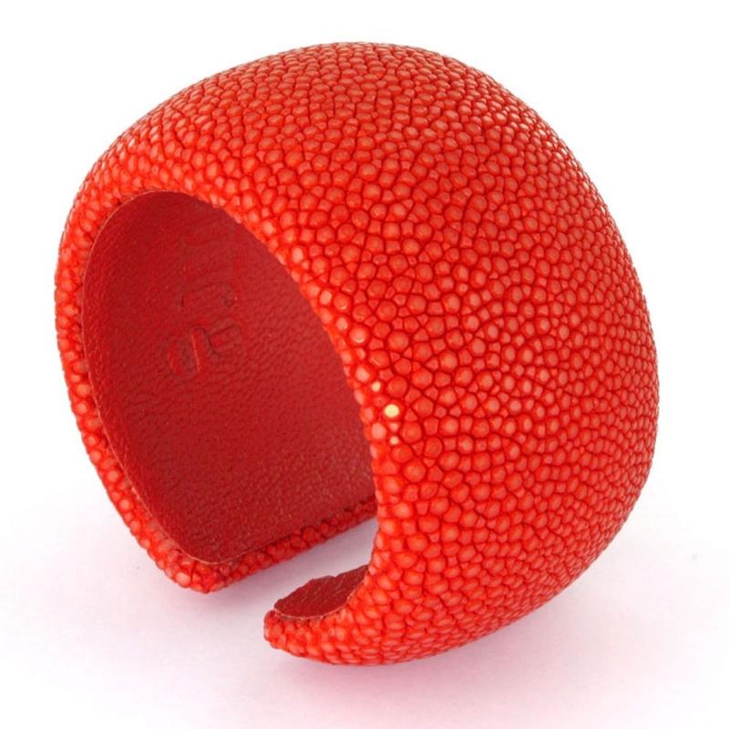 Bracelet en galuchat , Red Lips 40