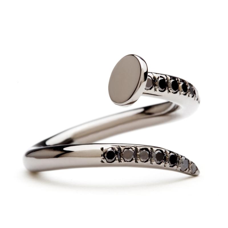 18k Black Gold Diamond Ring , C' le clou