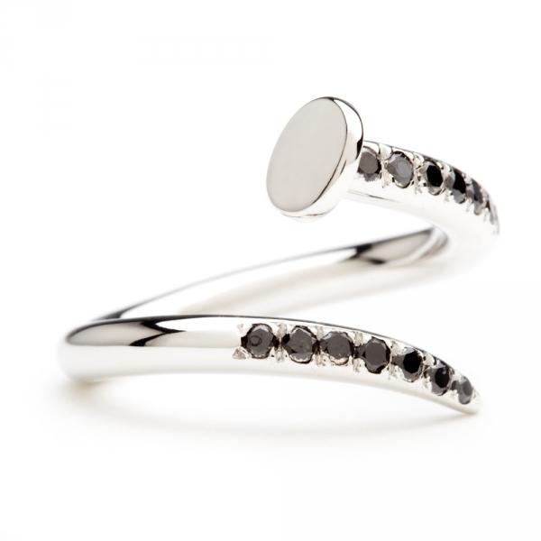 bague clou en or blanc et diamants noirs diveene joaillerie bague pierres noires
