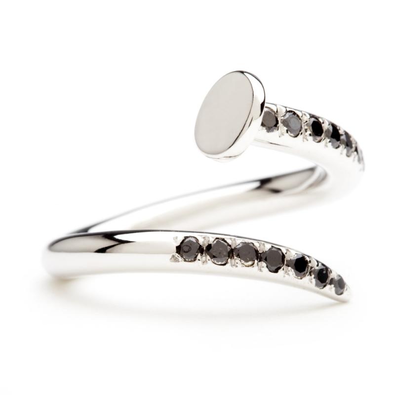 18k White Gold Diamond Ring , C' le clou
