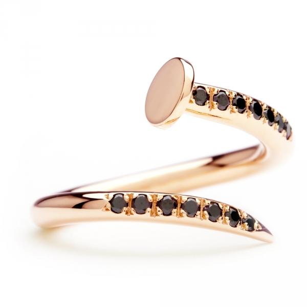 bague clou en or rose et diamants noirs diveene joaillerie bague pierres noires